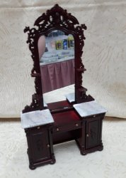 Madam Swingside Vanity, MH
