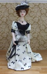 Art Nouveau Lady, Cream & Black