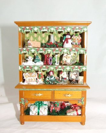 Christmas Hutch, Filled