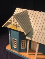 Morris Homestead Dollhouse Kit