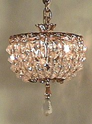 Ceiling Lamp on Short Chain with Drop