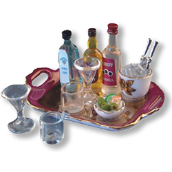 Liquor Tray with Glasses & Ice