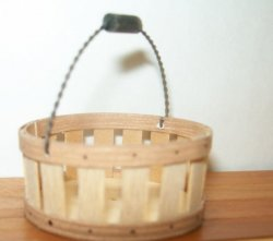 Basket w/ Wire Handle