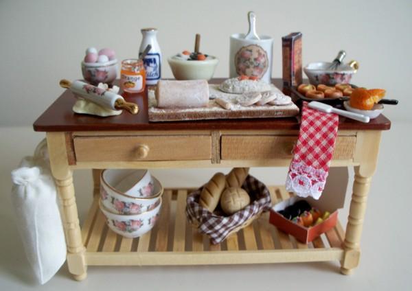Bon Baking Table Larger Image