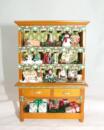 Christmas Hutch, Filled - Click Image to Close