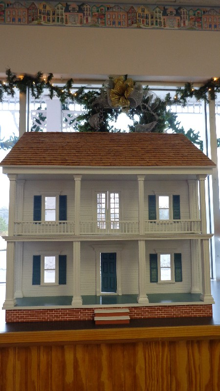 Finished Exterior Dollhouses